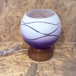 Stolní lampička s fialovo-bílým sklem